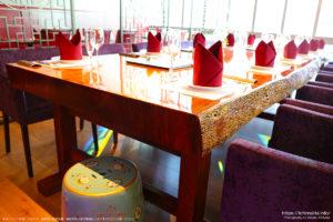ローズウッドの一枚板テーブル