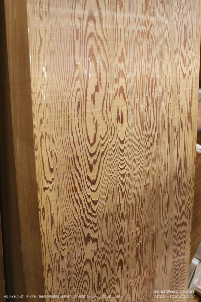 アキタスギ(秋田杉)の一枚板