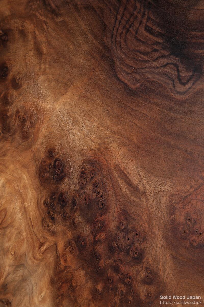 クラロウォールナットの葡萄杢目(ぶどうもくめ:イギリス種との接木跡有り)