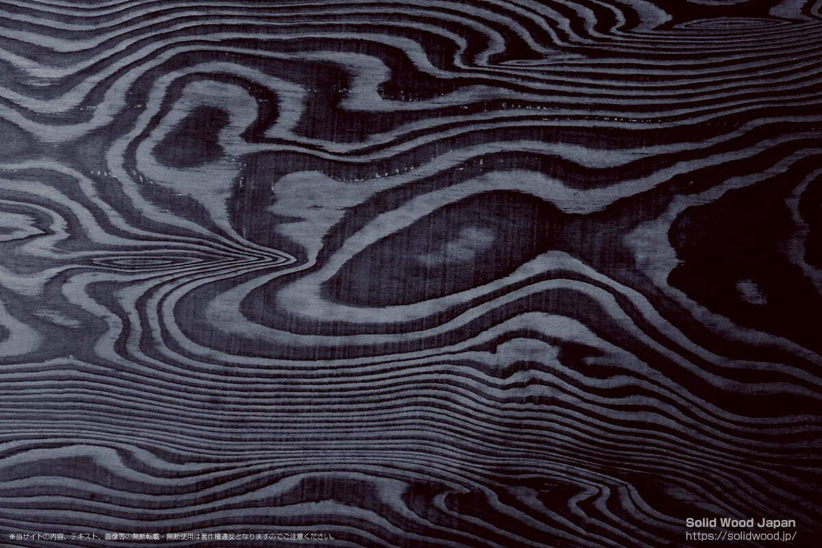 ジンダイスギ(神代杉)の一枚板