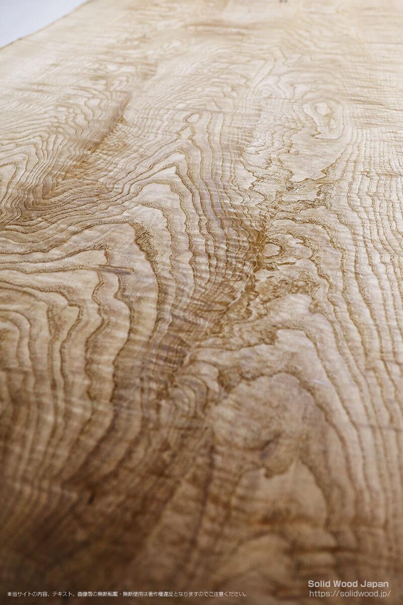 キソサンケイクリ(木曽山系栗)の一枚板