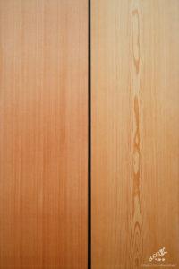 板柾共通の端正さ、柔かさを強調する杢目の両雄「左:柾目(まさめ)、右:中杢目(なかもくめ)」