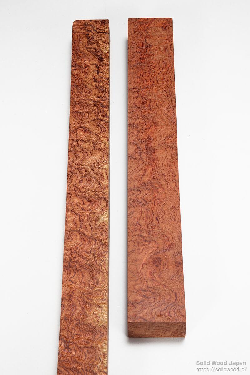 アフリカ産のブビンガの柾材・板目材に現れた立涌杢(たてわきもく)・立涌杢目(たてわきもくめ)