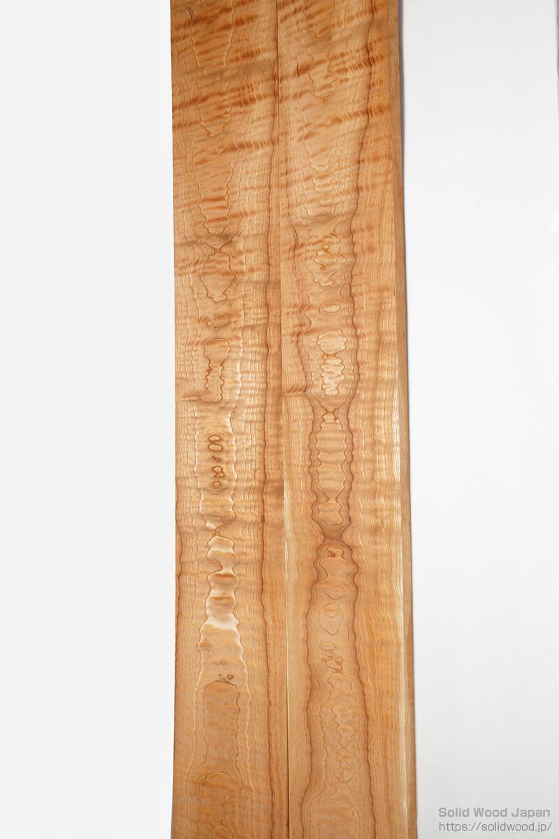 樹種では珍しい欅板材に出た虎杢目(とらもくめ)