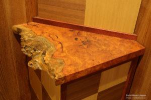 花梨(カリン)瘤の輪切り材使用例