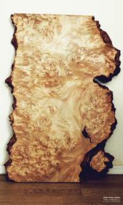 栃瘤杢の一枚板